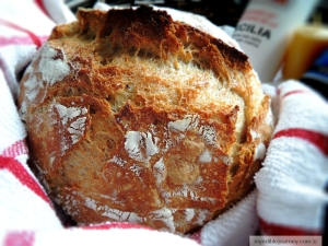 No Knead Bread from myediblejourney.com