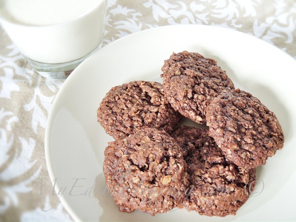 Healthy Cocoa Oatmeal Cookies | My Edible Journey