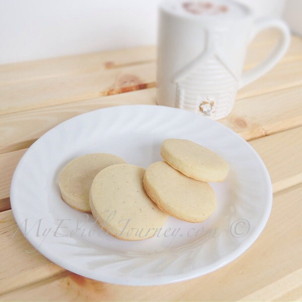 Vanilla Bean Shortbread Cookies | My Edible Journey